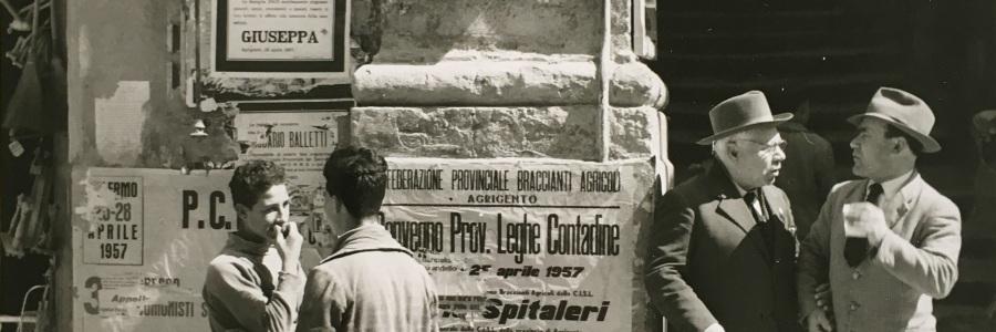 Konrad Helbig, o.T. Straßenszene. 1950er Jahre. Deutsche Fotothek.